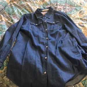 Tops - Denim top with pearl snaps